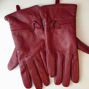 Burgundy red leather gloves lined